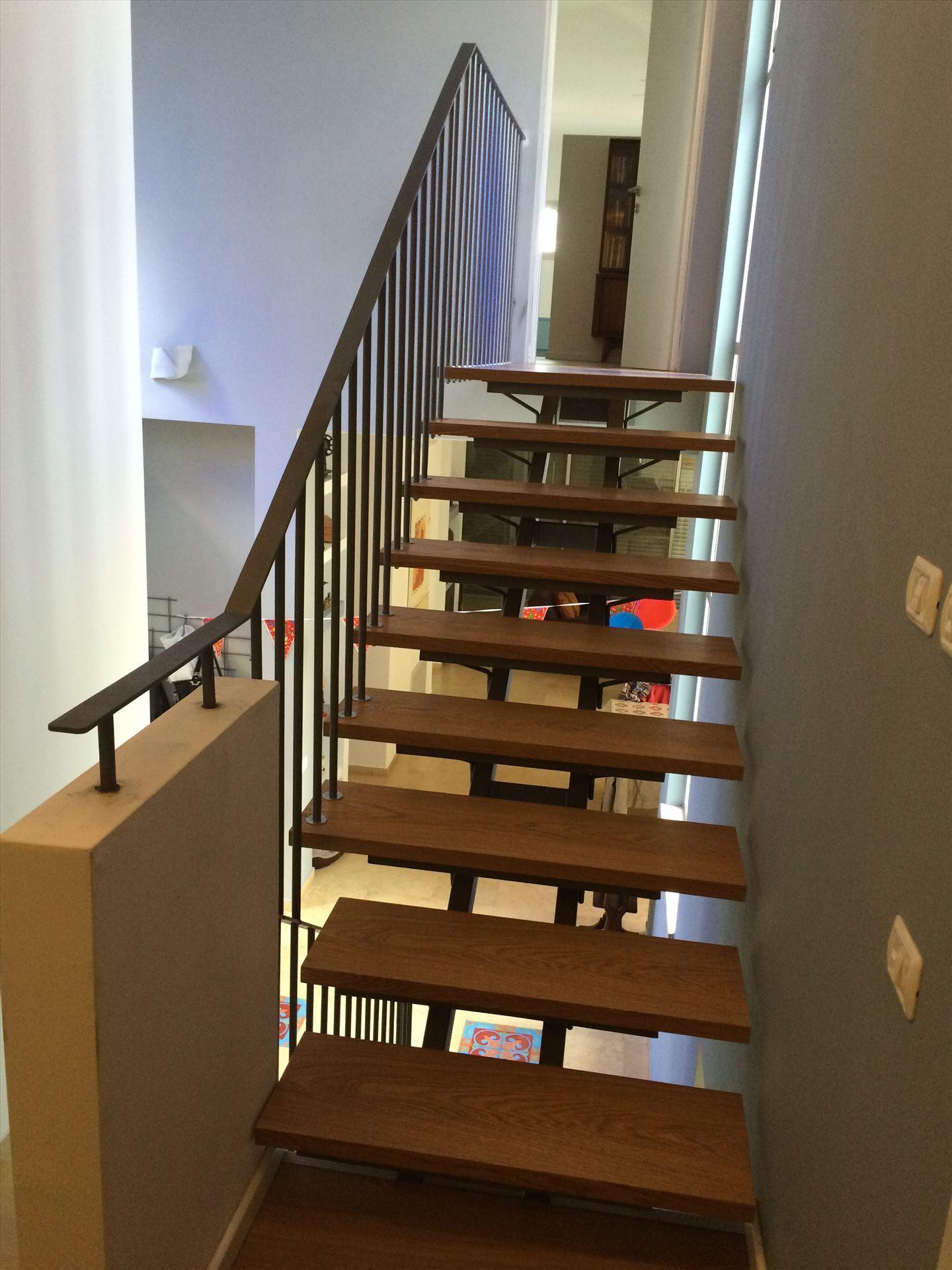 מדרגות ברזל מעוצבות לבית