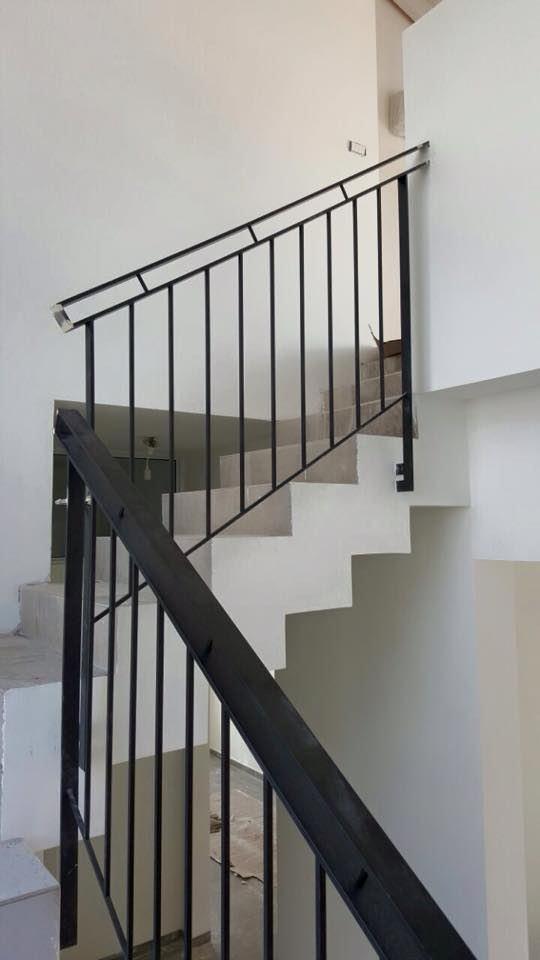 מעקות ברזל מעוצבות למדרגות הבית